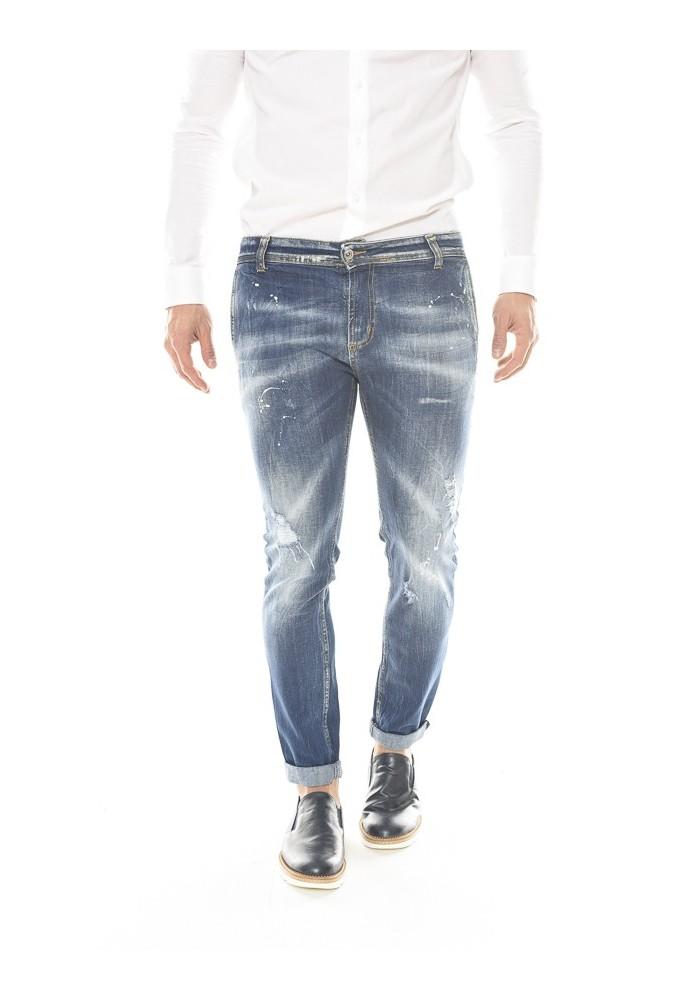 9561ee8a4f Collezione di jeans strappati e effetto consumato da uomo